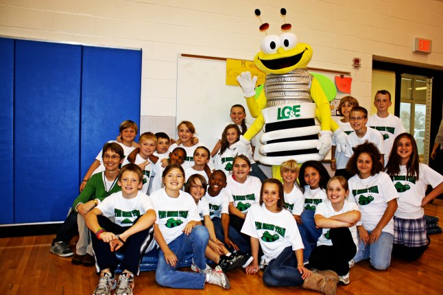 Students frm an ENERGY STAR school pose with LG&E's mascot.