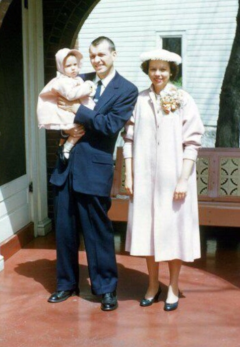 Connie Hunt with her parents in 1958.