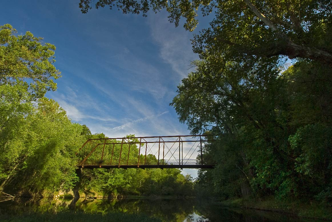 An old bridge at Tebb's Bend. Photo by Thomas G. Barnes.