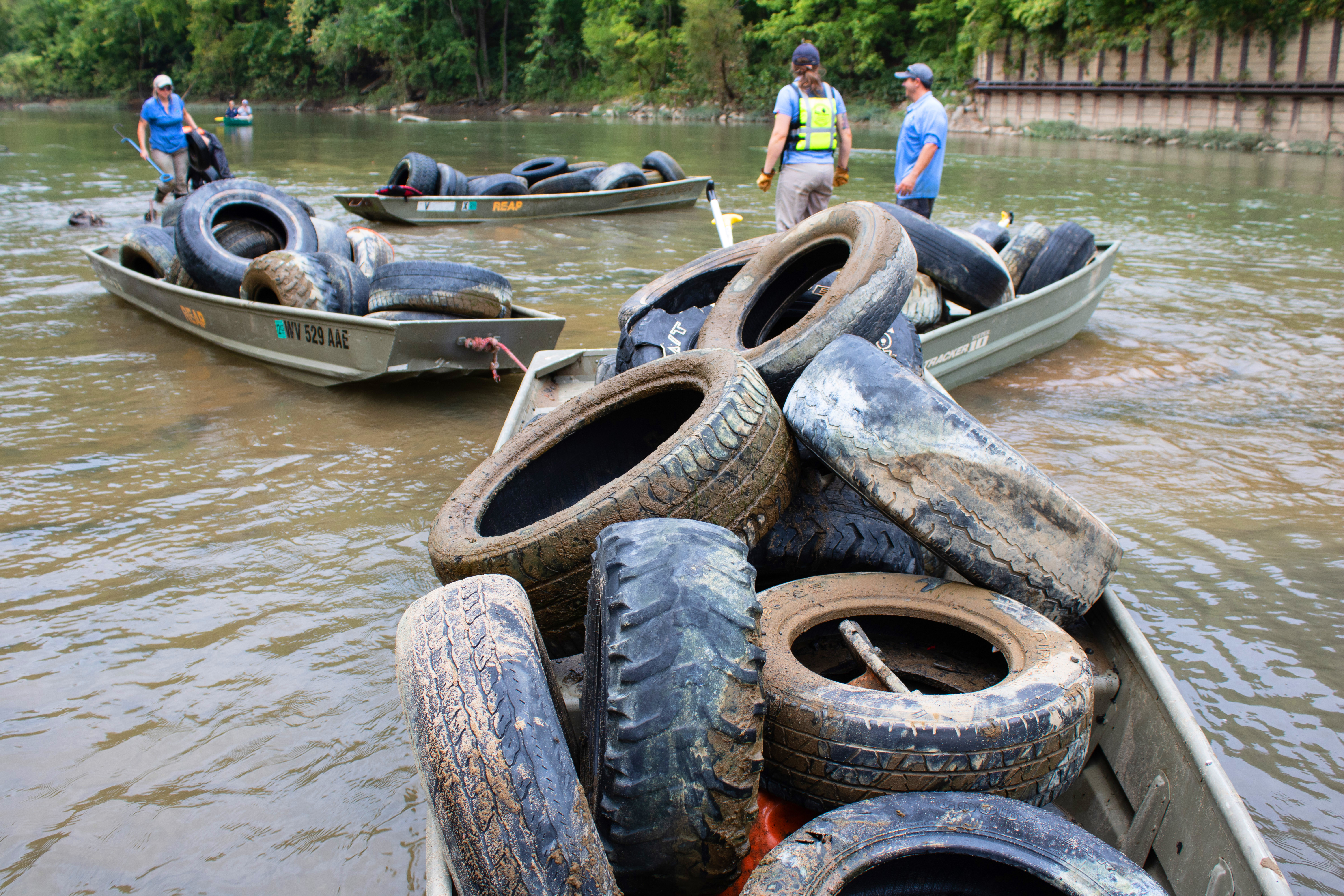 Division of Waste Management Joins Multi-state Effort to Remove Tires from the Tug Fork River